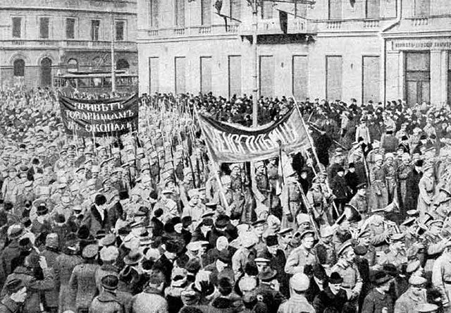 Soldiers demonstrate in Russian Revolution February 1917
