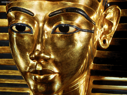 The death mask of Egyptian pharaoh Tutankhamen